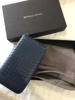 BV long zipper wallet in Blue