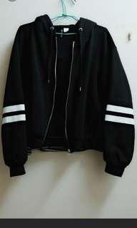 🚚 H&M黑色連帽外套