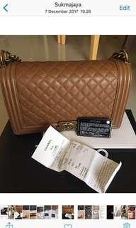 Preloved Authentic Chanel bag Seri 20, 28 cm , Caramel, Caviar leather ,GHW, like New,baru 2 kali pakai dari beli. Nego halus