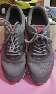 Nike womens rubber shoes
