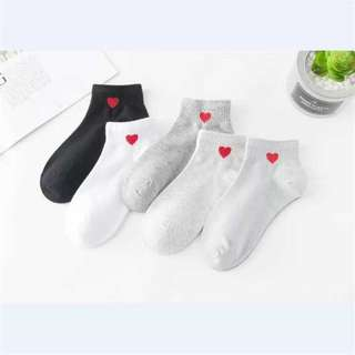 ⚡現貨⚡襪系平平 刺繡小愛心中長襪