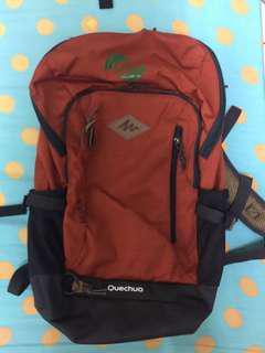 🚚 quechua背包