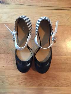 NINE WEST striped heels size 9