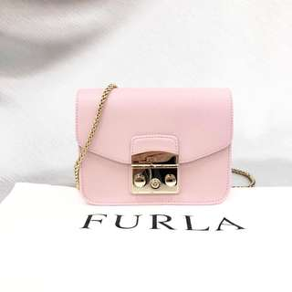 FURLA 手袋 牛皮 粉紅色 Size:長 17 x 寬 8 x 高 13 cm Real and New 專門店售HKD2990