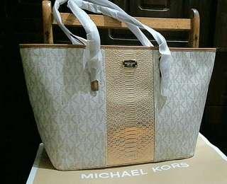 Michael Kors Center Stripe LG Vanilla Carryall Tote Bag