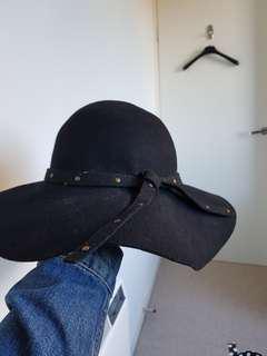 Marcs hat