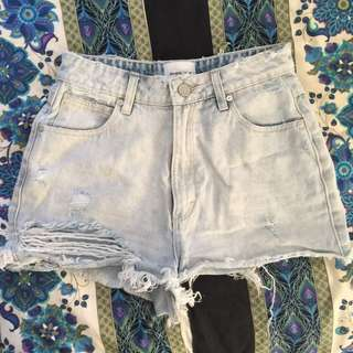 ABRAND light wash distressed high relax fit shorts