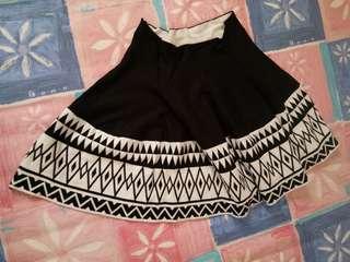 rok motif black white
