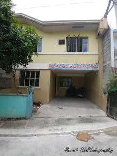 Resale Complete Townhouse in Imus