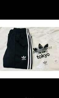 🚚 Adidas 三線褲 拉鍊款