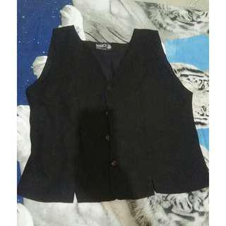 Vest hitam
