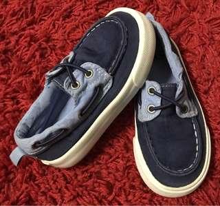 GAP shoe