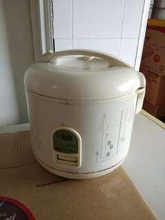 URGENT Sale - Rice Cooker 1.8Litre