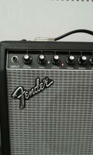 FENDER Frontman 25R. Reverb with Distortion effects and other special features. Powerful 75 watts output with awesome Fender twangy tone  (clean or crunch). U.S.A technology. Pls feel free to test it.