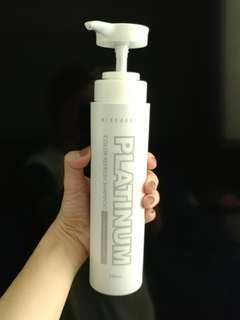 Missdear platinum color refresh shampoo (purple shampoo for bleached hair)