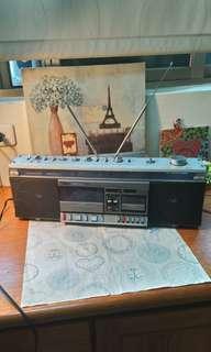 早期AIWA手提收音機
