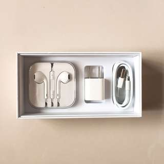APPLE IPHONE ACCESORIES