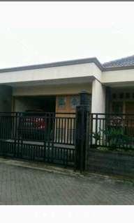 Rumah 2 lantai di villa Tomang baru ( nego )