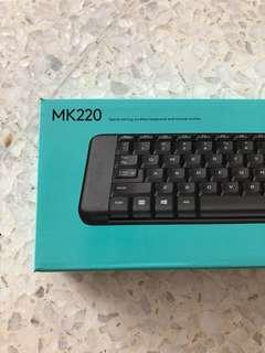 Logitech MK220 Wireless Keyboard and Mouse set