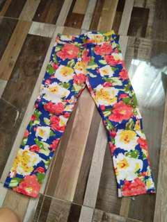 Floral stretchable pants