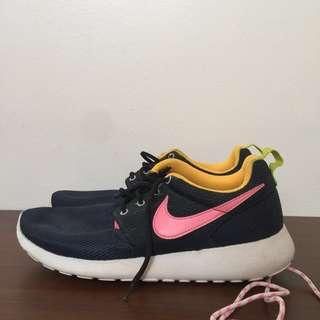 Nike Roshe run (free shipping)