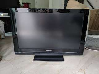"LCD TV 37"" Panasonic"