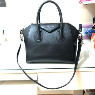 Givenchy Antigona Bag small in black