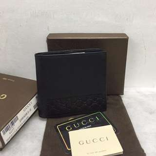 Gucci Plain Folded Wallet