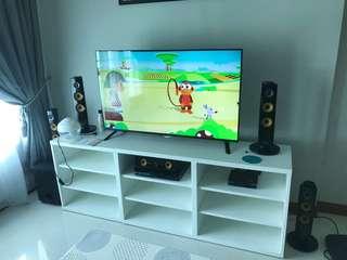 Tv with Speaker set