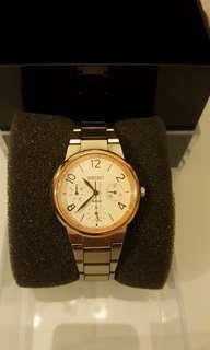 SEIKO精工石英錶 不鏽鋼錶帶 防水 藍寶石水晶鏡