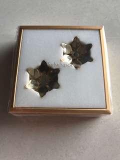 Sulwasoo Plum Blossom Fridge Magnet (Gold)