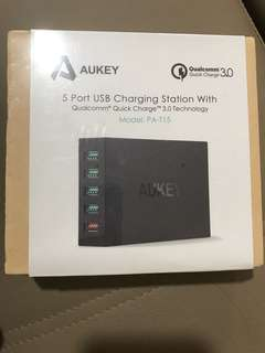 Aukey高通QC3.0快速充电器多口USB充电器平板手机快充闪充充电器