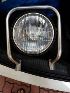 Single headlight