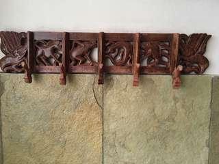 2 pcs wooden hanger