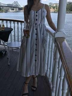 White striped dress size 6