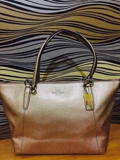 COACH NWT AVA ROSE GOLD