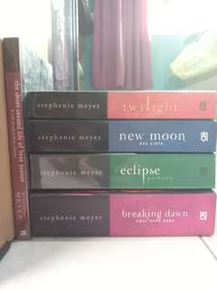 Novel Twilight Saga (termasuk side story)