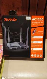 Tenda AC10u router