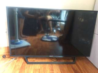 Flat Screen Sony LED