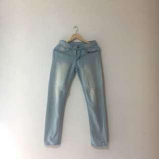 🚚 Bleached Skinny Jeans