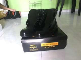 NPCC boots size 7/8/9