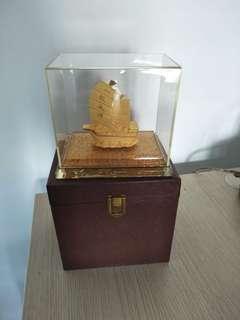 Gold Art display