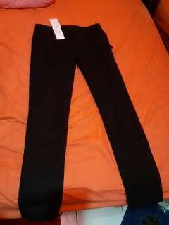 THE EXECUTIVE celana panjang hitam