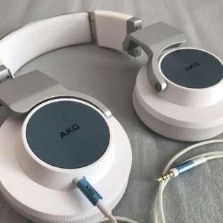 AKG 545 over ear headphones