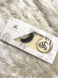 Silver Swan Lash