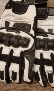 Scorpion Klaw Gloves