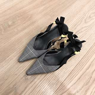 🚚 Zara 格紋繫帶低跟鞋