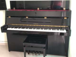 Selling piano Yamaha LU-90 PE for sgd 1'100