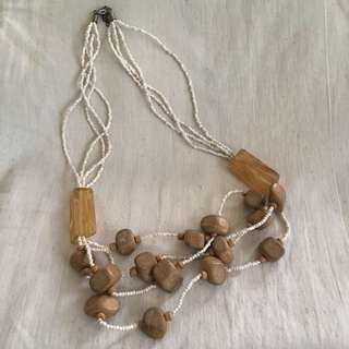 Warm beads necklace