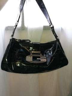 Guess handbag 100% aunthentic